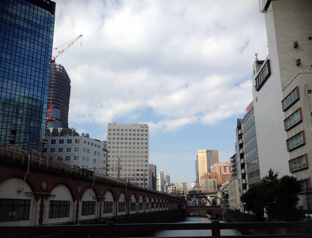 秋葉原駅前 万世橋から御茶ノ水方向